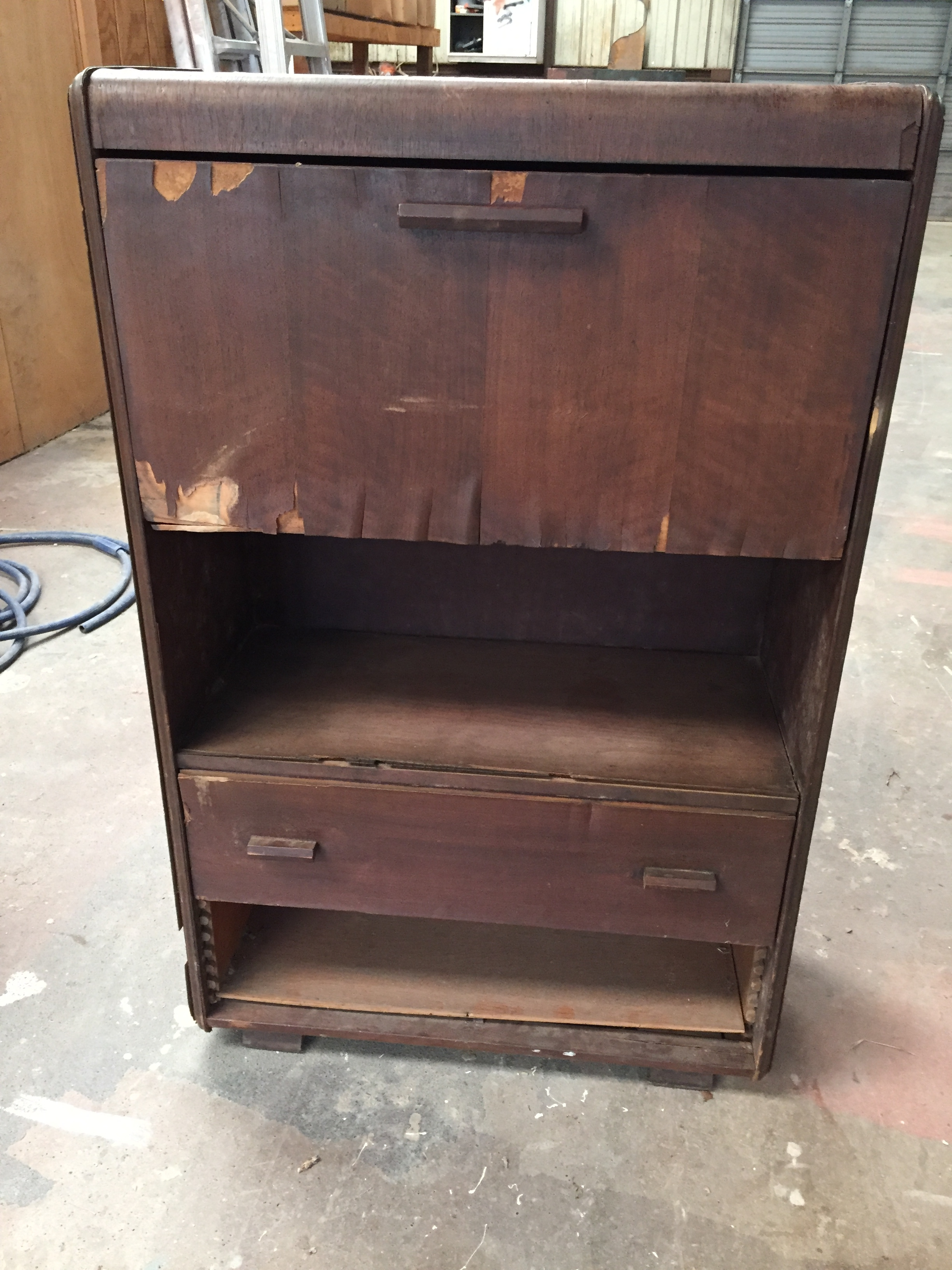 Round Top Rough Dresser